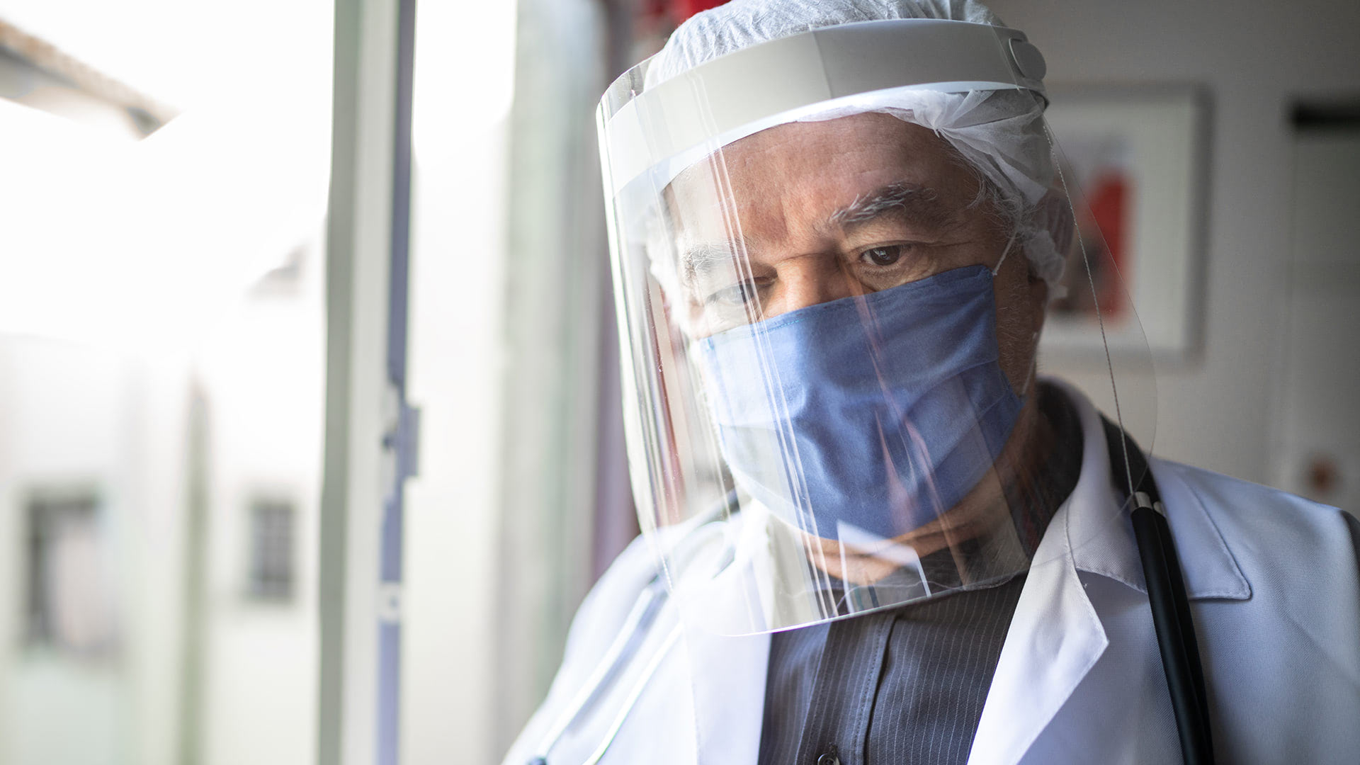 medical_personel_wearing_PPE